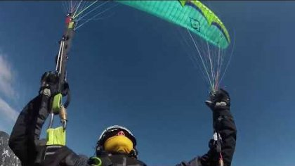 Winter acro paragliding training - Verbier