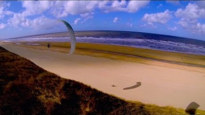 PLAYING around the beach - extreme low paragliding - HD