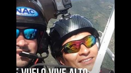 Salto D-bag desde un PARATRIKE con un parapente a 2.000 metros