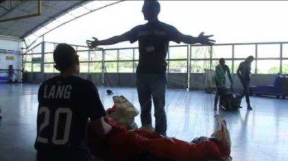 Primer salto  de D-Bag sobre Medellin