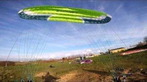 Paragliding soaring acro