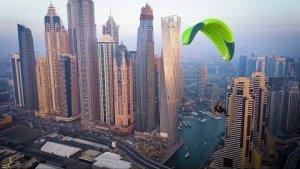 Epic paramotoring flight over Dubai marina in 4K - Filmed on DJI Mavic